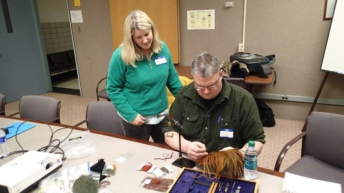 Lindsay Agness tying with a Vet